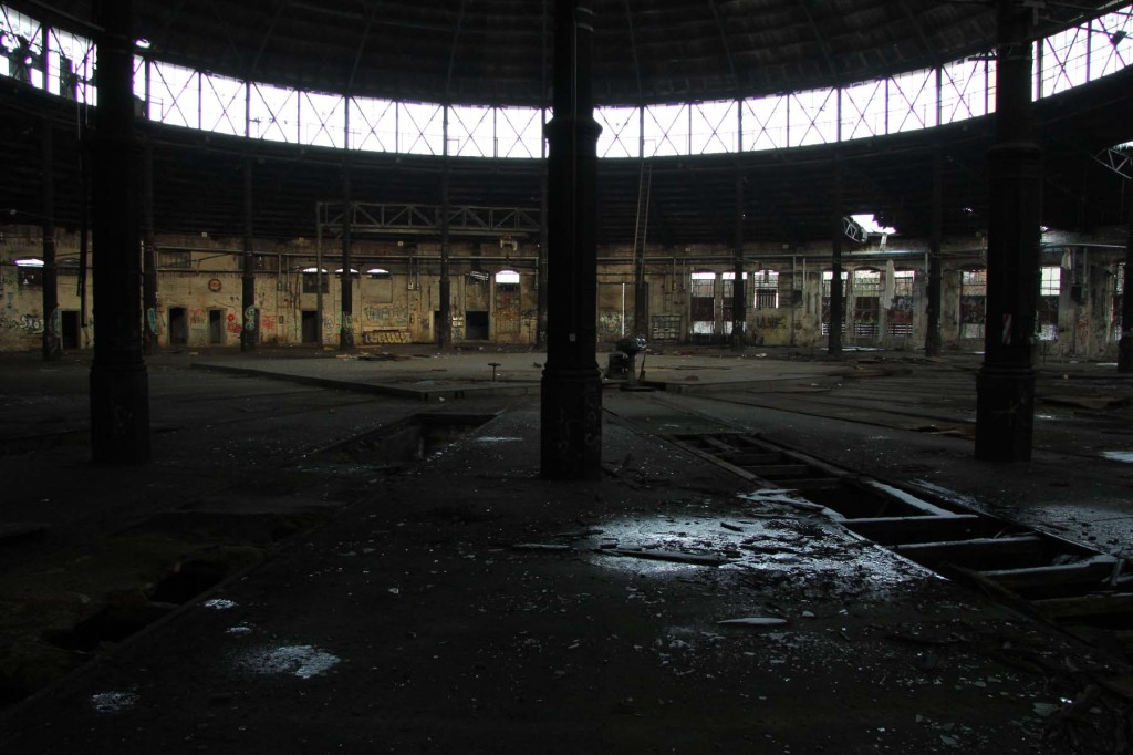 Columns and Windows inside the Roundhouse at Bahnbetriebswerk Pankow-Heinersdorf in Berlin