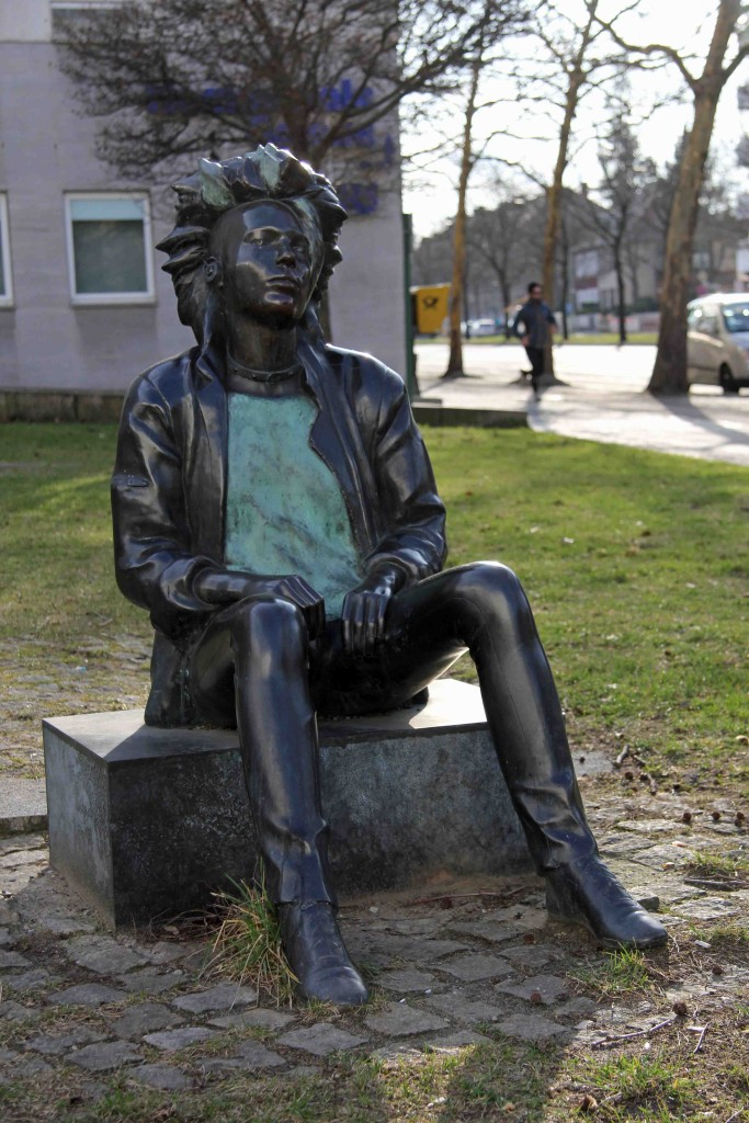 Ludmila Seefried-Matejková - Walkman - a punk statue outside the Bürgeramt Charlottenburg-Wilmersdorf in Berlin