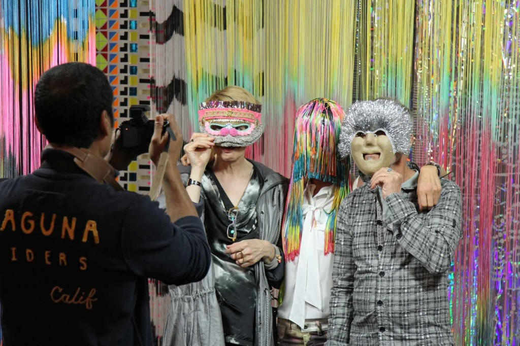 Visitors having fun with the installation by fashion designing duo Starstyling – Settings at the Olympus OM-D Photography Playground the Opernwerstätten in Berlin