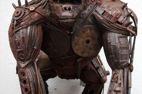 rp_Metal-Gorilla-Sculpture-in-Berlin-683x1024.jpg