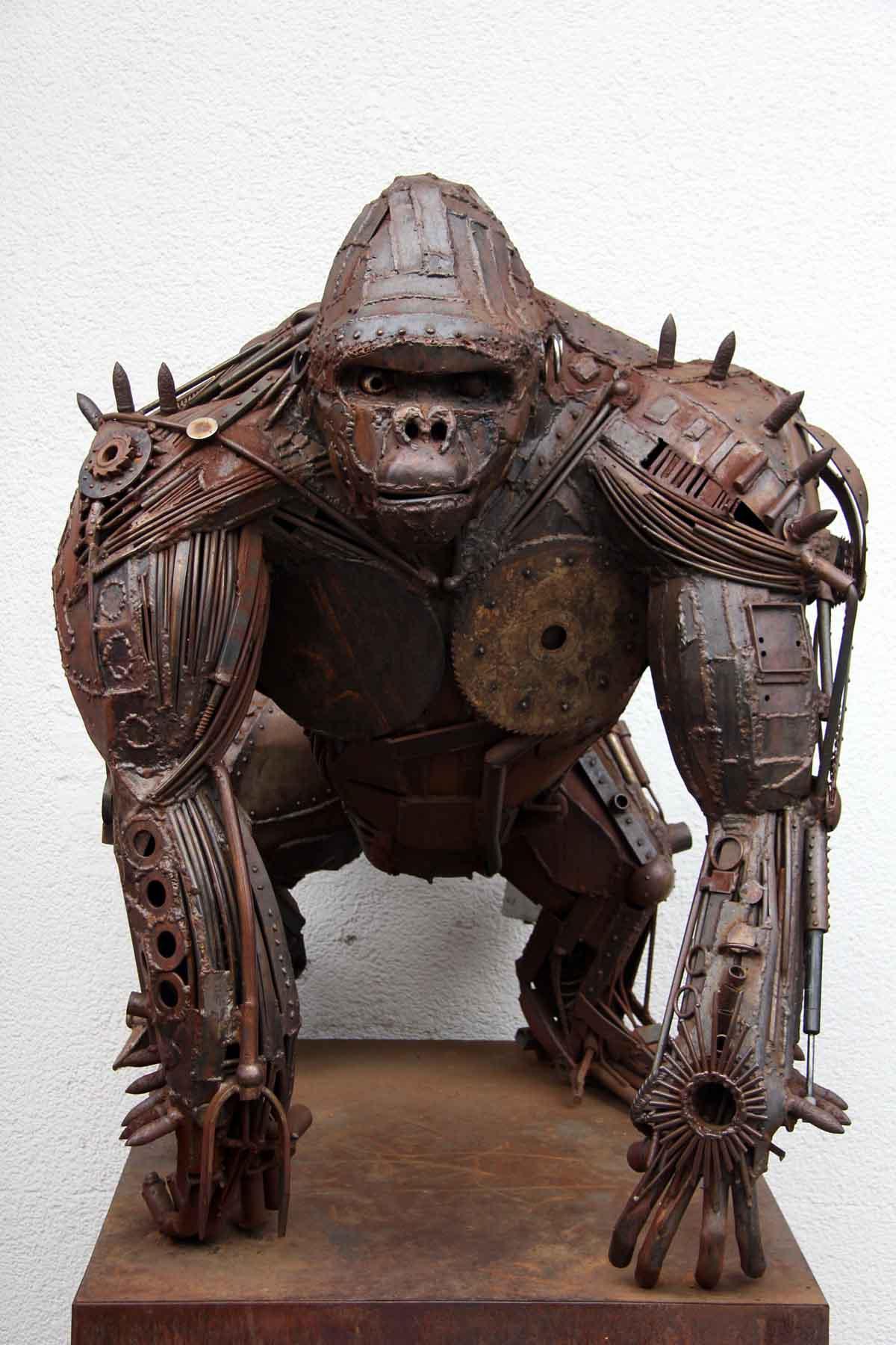 Snapshot metal gorilla sculpture in berlin love