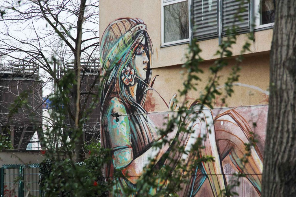 Suspended - Street Art by Alice Pasquini aka AliCé in Berlin