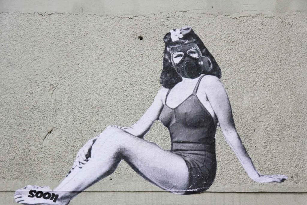 Beauty in Gas Mask - Street Art by Soon in Berlin