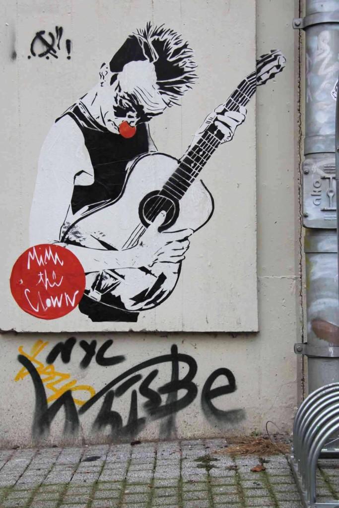 Clown Plays Guitar - Street Art by MIMI the ClowN in Berlin