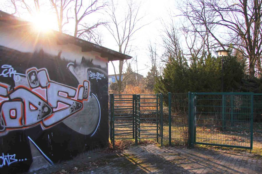 Kneipe (Dolly's) and Gates at the abandoned swimming pool Wernerbad (Freibad Wernersee) in Kaulsdorf, Berlin