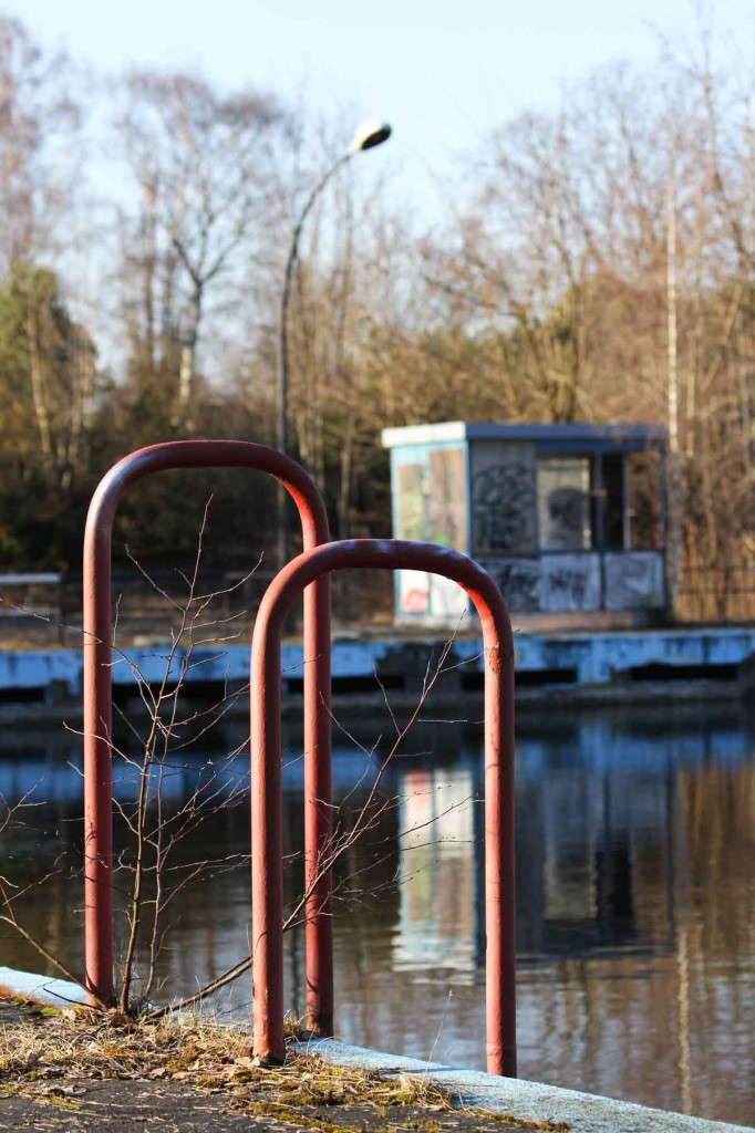 Steps and Hut at the abandoned swimming pool Wernerbad (Freibad Wernersee) in Kaulsdorf, Berlin