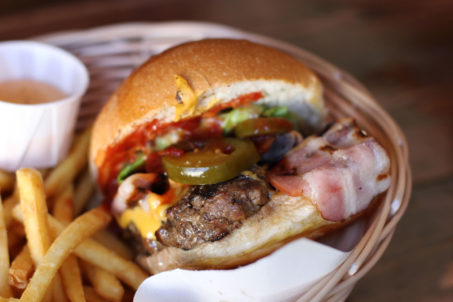 rp_Cheeseburger-with-Bacon-and-Fries-close-up-at-Tommis-Burger-Joint-Berlin-1024x682.jpg