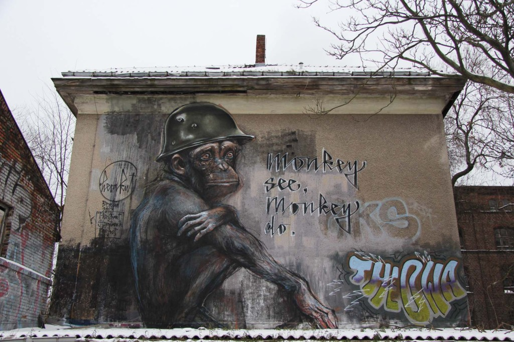 Monkey See Monkey Do - Street Art by Herakut in Berlin