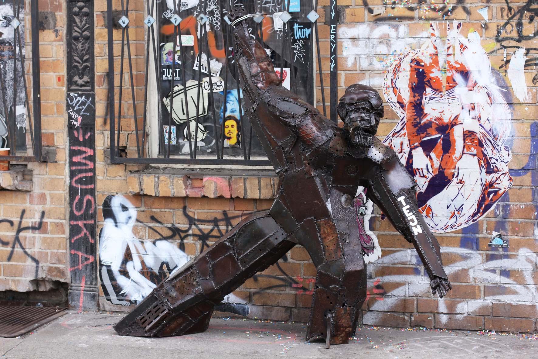 Criticism advise berlin street art