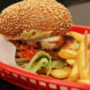 Piri's Chicken Burgers – Spicing Up Berlin's Burger Scene