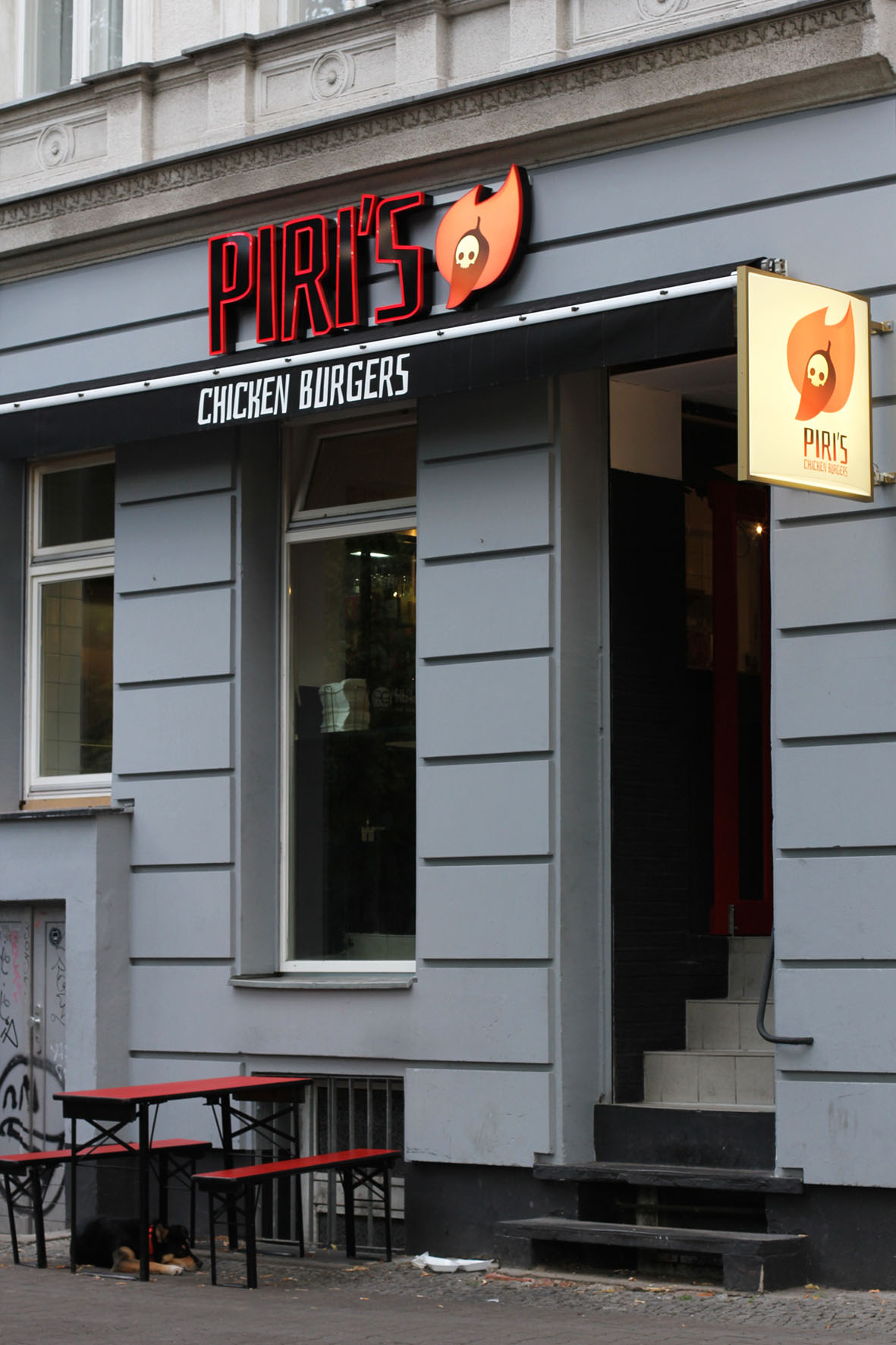 piri s chicken burgers spicing up berlin s burger scene andberlin. Black Bedroom Furniture Sets. Home Design Ideas