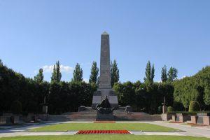 Das Sowjetische Ehrenmal Schönholzer Heide