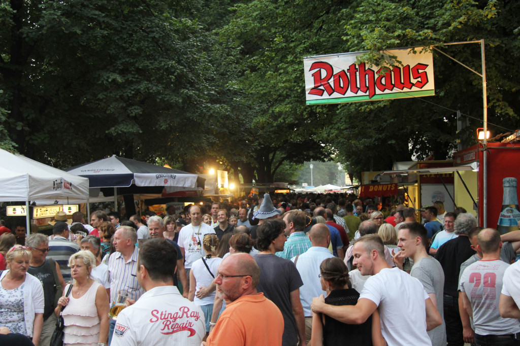 The crowd at the International Berlin Beer Festival (Internationales Berliner Bierfestival)
