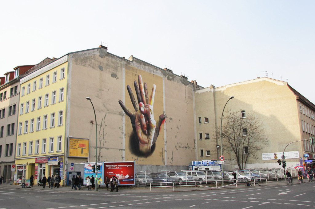 Under Der Hand - Street Art by CASE (Maclaim) in Berlin