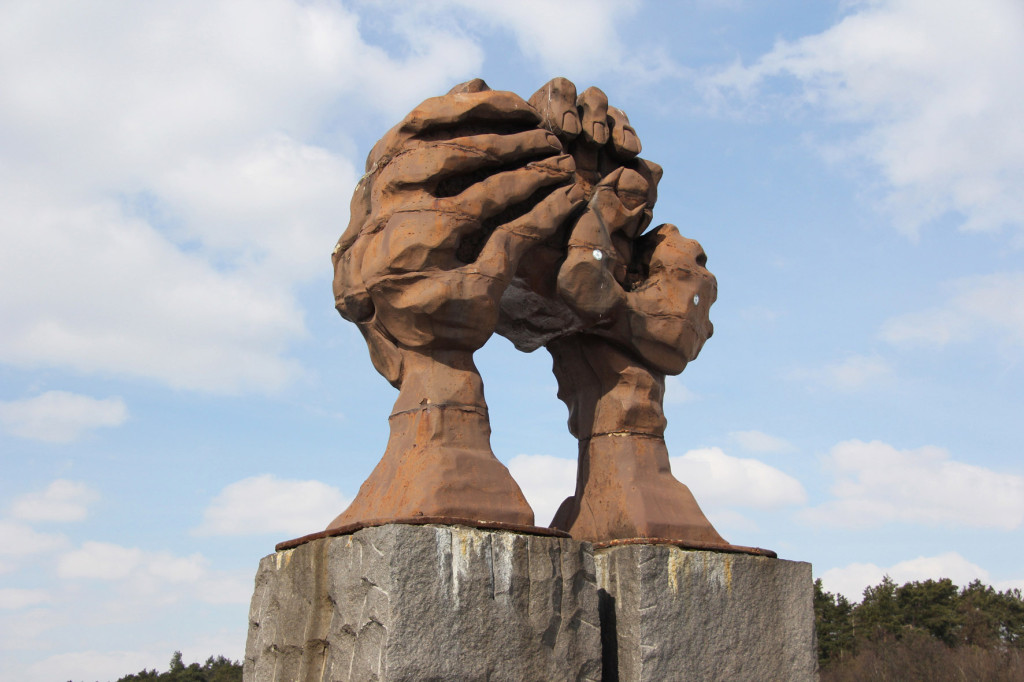 Die Wölbung der Hände (La voûte des mains in the original French) at the former inner German border near Helmstedt - a symbol of Tag der Deutschen Einheit (The Day of German Unity)