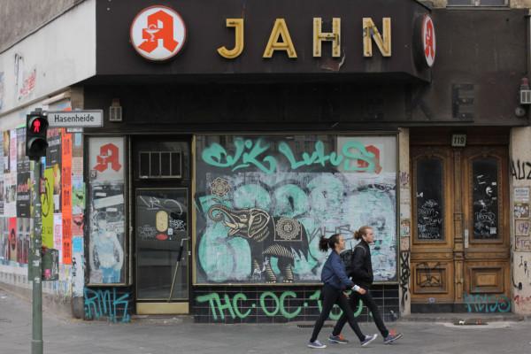 rp_Elephant-Street-Art-by-Shepard-Fairey-Obey-the-Giant-in-Berlin-1024x682.jpg