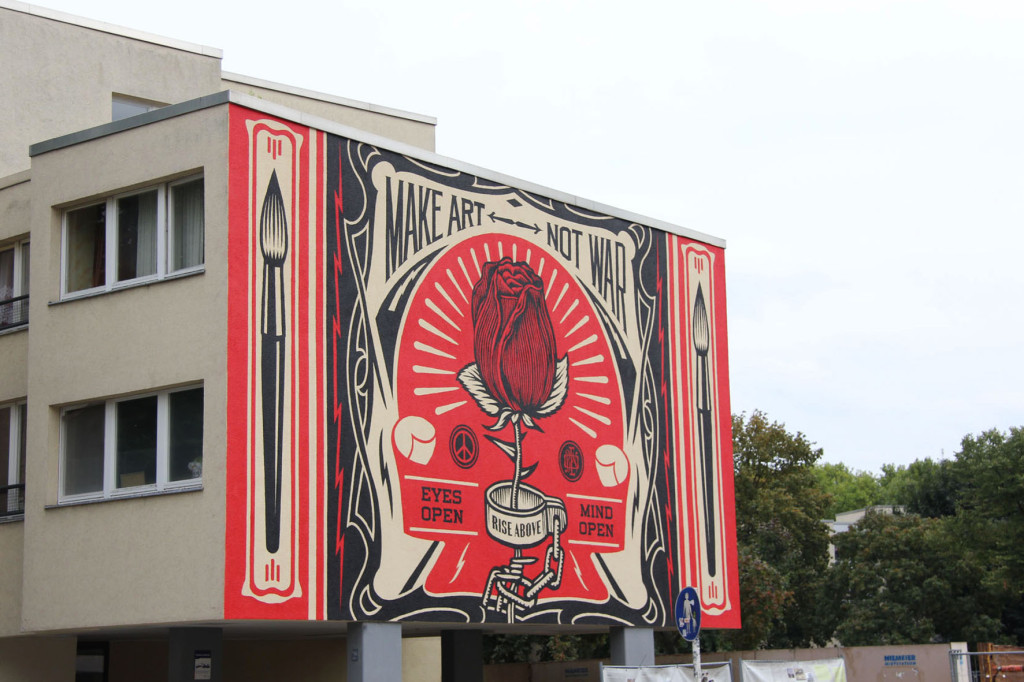 Make Art Not War - Street Art by Shepard Fairey (Obey the Giant) in Berlin