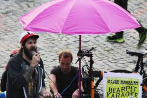 Bearpit Karaoke – Sonntags Karaoke im Mauerpark