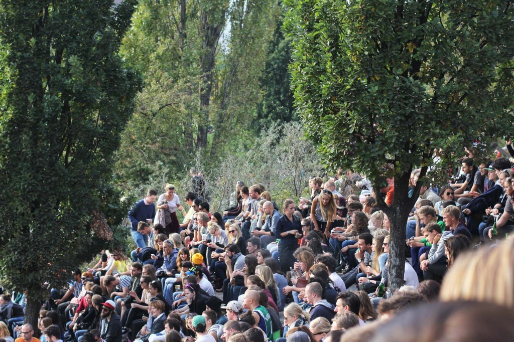 The crowd at Bearpit Karaoke (Sonntags Karaoke im Mauerpark)