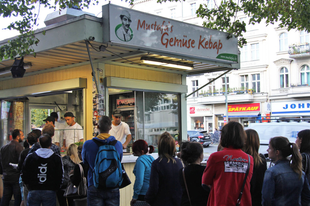 The queue at Mustafa's Gemüse Kebap in Berlin