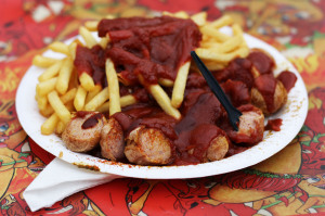 Currywurst & Chips (Currywurst & Pommes) at Curry & Chili Berlin