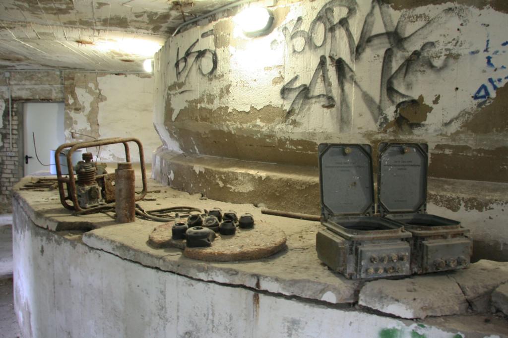 Machinery at the Schwerbelastungskörper in Berlin