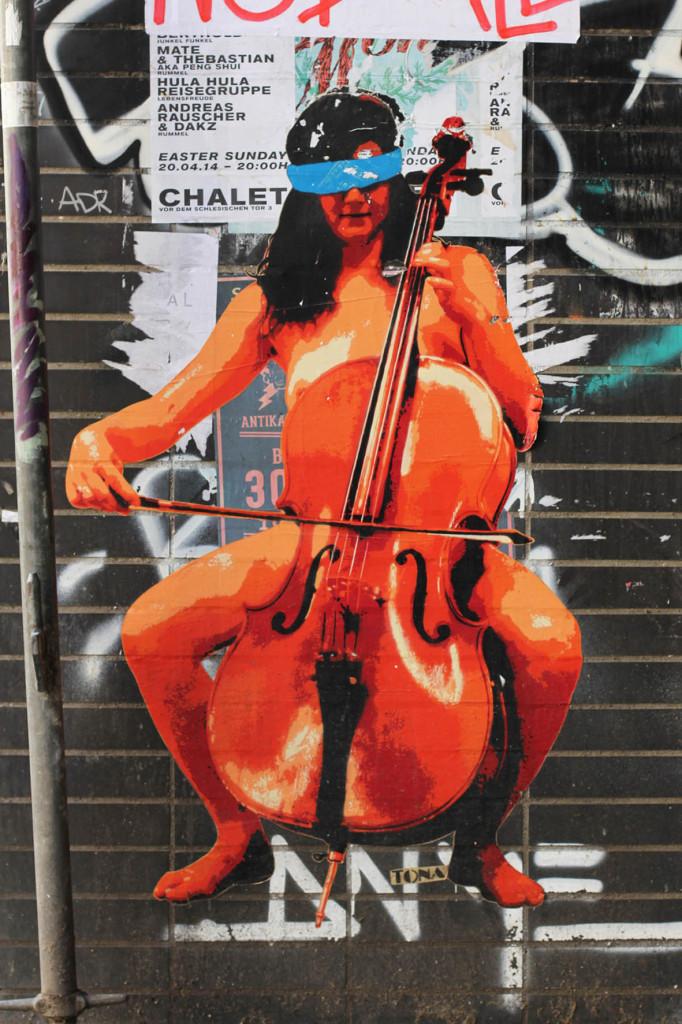 Cellist - Street Art by Robi The Dog in Berlin