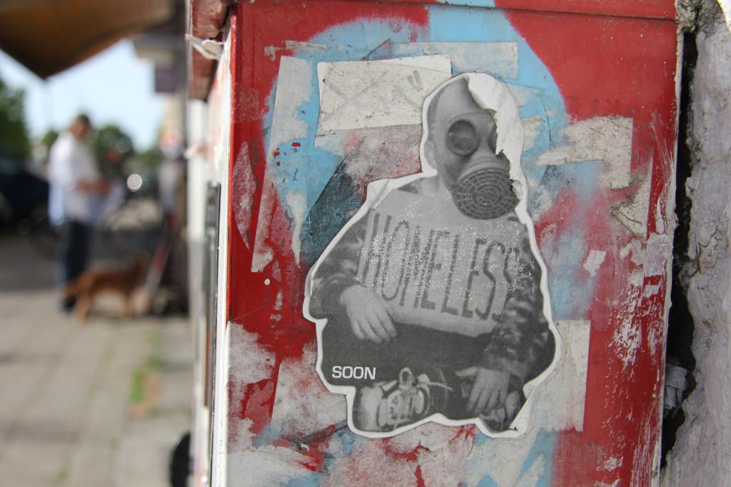 Homeless - Street Art by SOON in Berlin