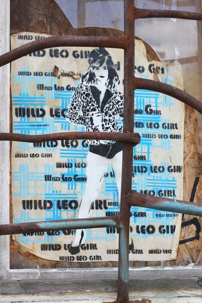 Wild Leo Girl - Street Art by Raïa in Berlin