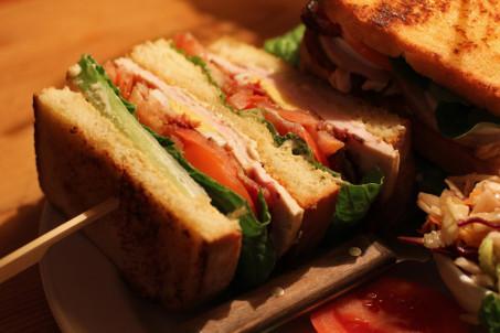 rp_Close-Up-Roast-Turkey-Club-Sandwich-at-MJs-Foodshop-Berlin-1024x682.jpg