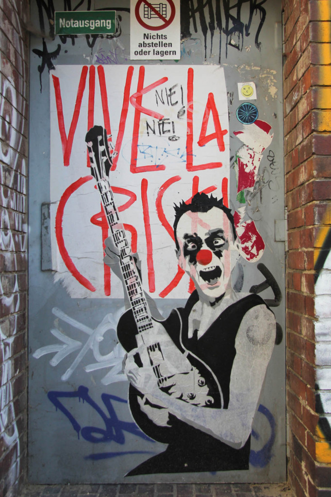 Guitar Clown - Street Art by MIMI the ClowN in Berlin