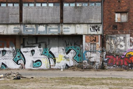 rp_Love-On-An-Abandoned-Glass-Factory-Berlin-1024x682.jpg