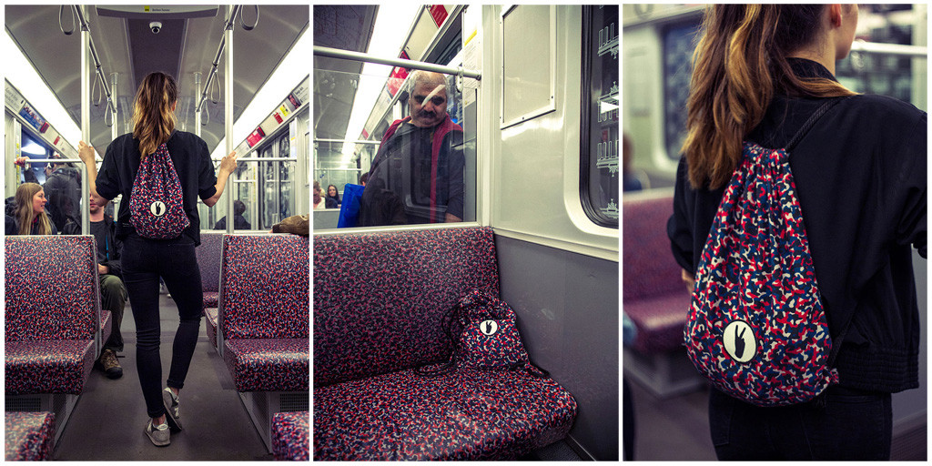 Tarnbeutel (camouflage bag) - a bag in the pattern of the Berlin U-Bahn seats