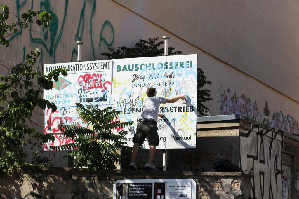 ALIAS prepping for a new Street Art piece in Berlin