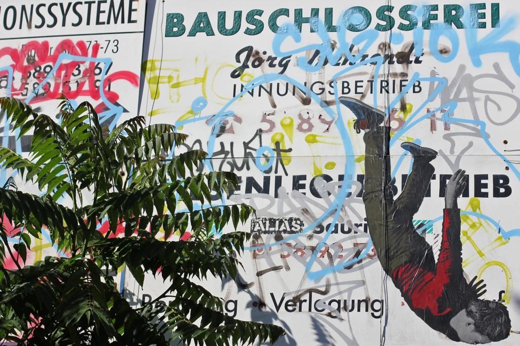 Ikarus - Street Art by ALIAS in Berlin