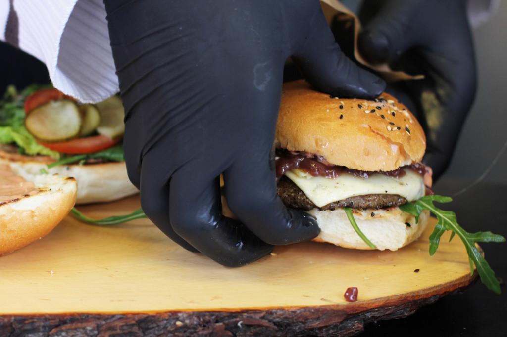 Preparing a Wild-Burger at Eber & Hirsch at Street Food auf Achse Berlin