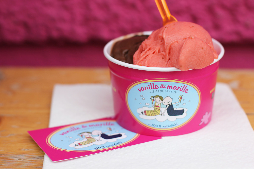 Strawberry & Chocolate Ice Cream Pot at Vanille & Marille Berlin