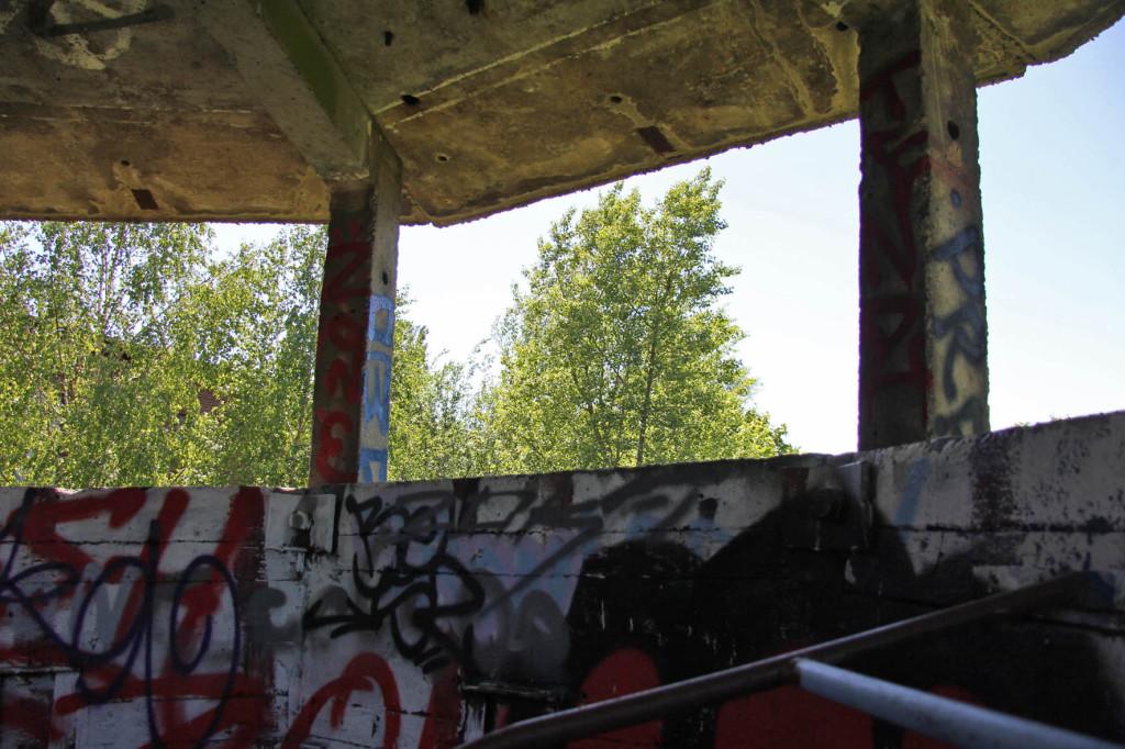 Die Aussichtsplattform in einem DDR-Ära-Wachturm in Berlin Weißensee