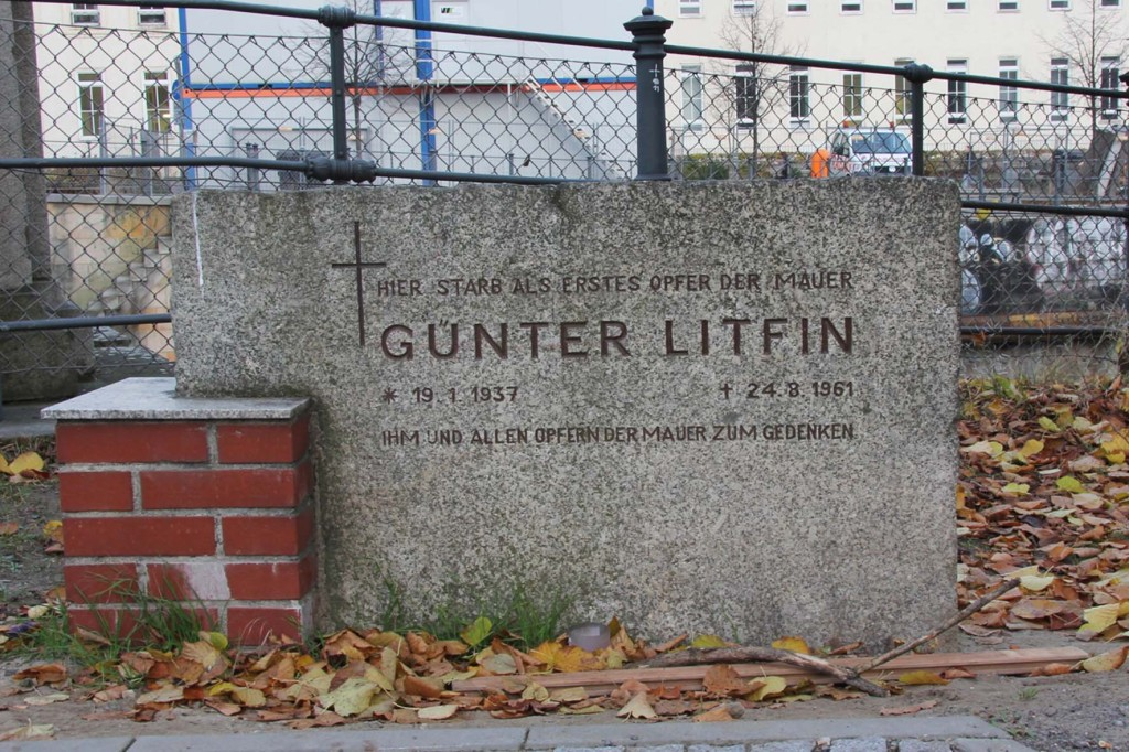 Gedenktafel (Memorial Plaque) Günter Litfin at Homboldthafen Berlin