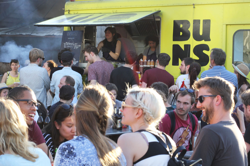 The Crowd and Bunsmobile at Bite Club Street Food Event in Berlin