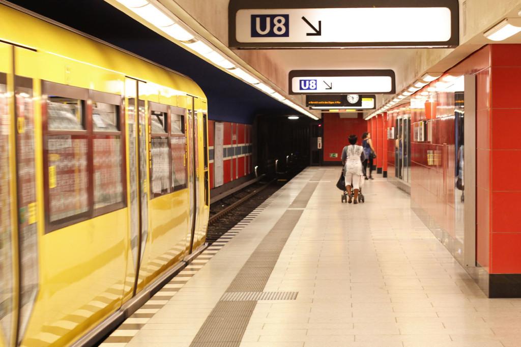 BVG Free Wi-Fi Trial at U-Bhf Osloer Strasse Berlin