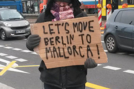 rp_Lets-move-Berlin-to-Mallorca-Placard-1024x502.jpg