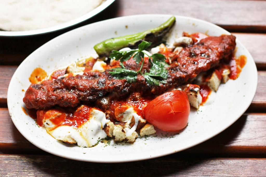 Adana Kebap Yoğurtlu at Doyum Grillhaus, a Turkish restaurant on Admiralstraße near Kottbusser Tor in Berlin Kreuzberg