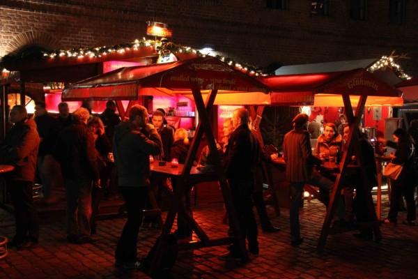 rp_red-gluehwein-stand-at-lucia-weihnachtsmarkt-1024x683.jpg