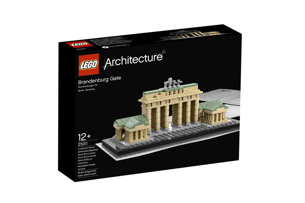 LEGO Architecture Brandenburg Gate Box - the box for the 363 piece Brandenburg Gate set in the LEGO Architecture Landmark series - Photo ©LEGO