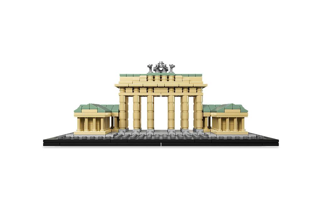 LEGO Architecture Brandenburg Gate - The front elevation of the 363 piece Brandenburg Gate set in the LEGO Architecture Landmark series - Photo ©LEGO