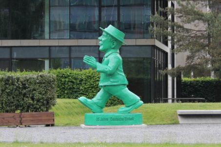 rp_Giant-Ampelmann-Statue-Berlin-Side-View-1024x682.jpg