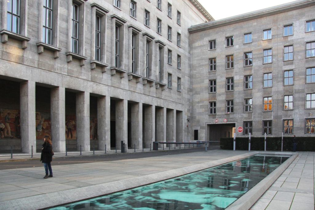 17 June Memorial and Platz des Volksaufstandes von 1953 with the Bundesfinanzministerium (Federal Ministry of Finance), previously the Haus der Ministerien (House of Ministries) and before that the Reichsluftfahrtministerium (German Ministry of Aviation) in Berlin