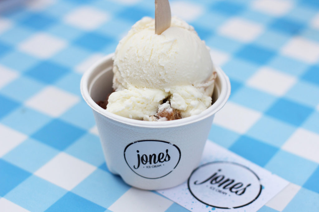 Cheesecake & Streusel and Choco & Brownies at JONES Ice Cream Berlin