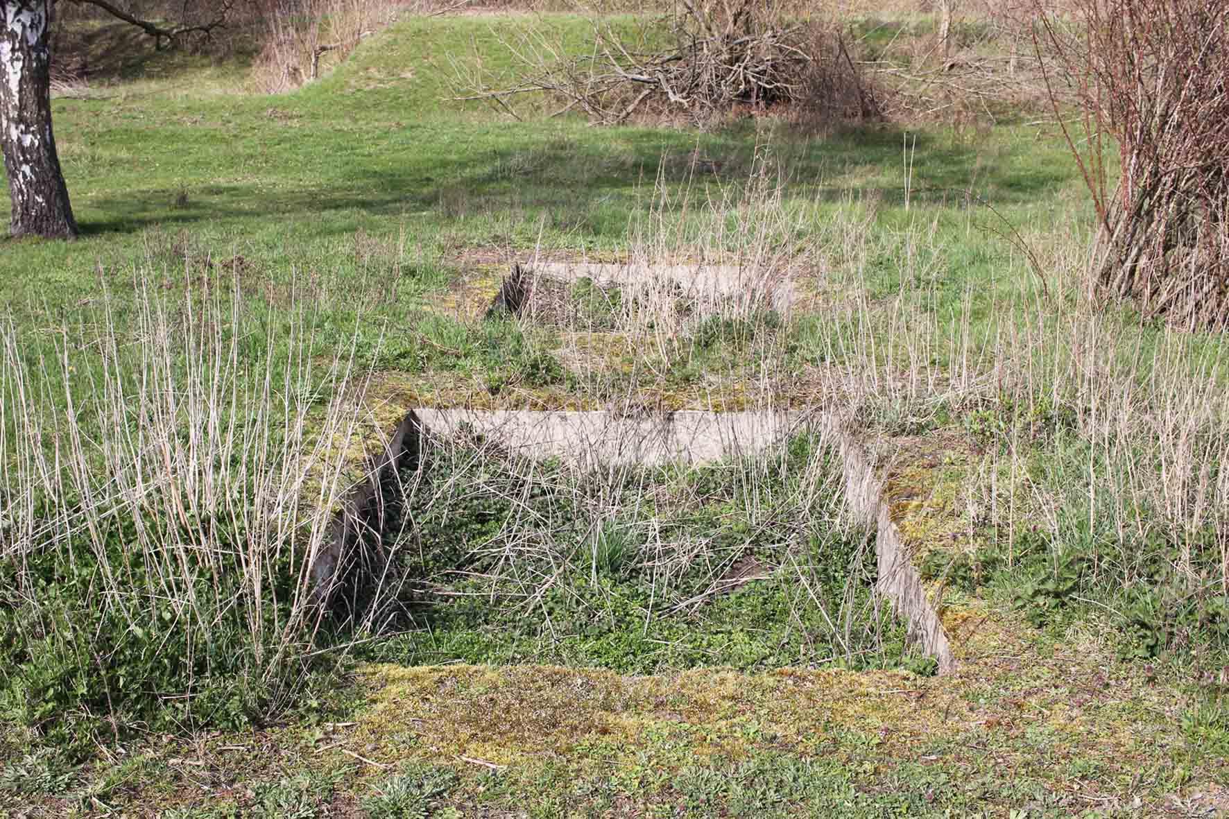 Betonfundament auf Parks Range und Doughboy City - ein ehemaliger Truppenübungsplatz der US Army Berlin Brigade